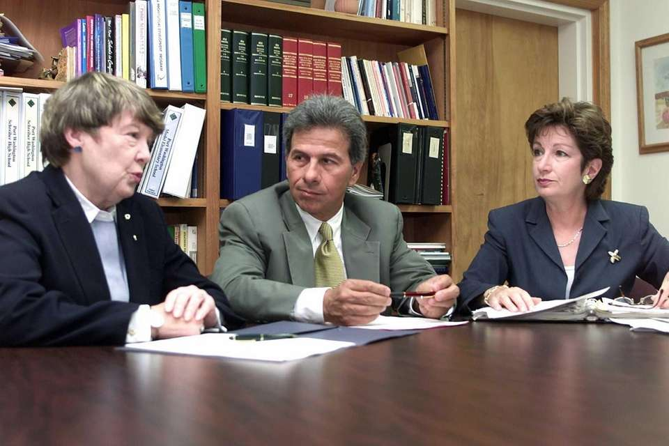 Inserra is pictured, center, on June 14, 2002. (Credit: Howard Schnapp)