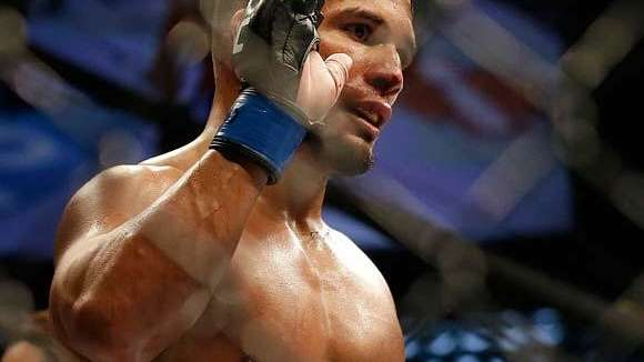 Dennis Bermudez submitted Clay Guida during a featherweight