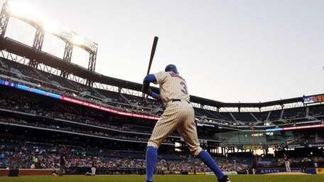 Curtis Granderson of the Mets waits to bat
