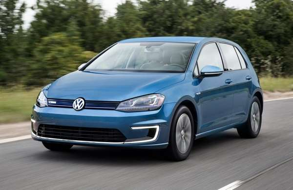 The 2015 Volkswagen e-Golf price starts at $35,445.