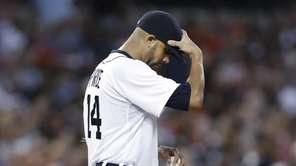 Detroit Tigers pitcher David Price reacts in the