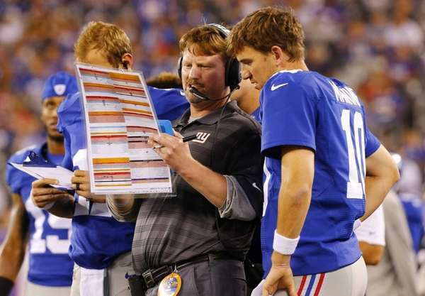 Offensive coordinator Ben McAdoo of the Giants goes