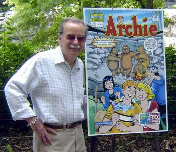 Artist Stan Goldberg, seen here in 2010, died