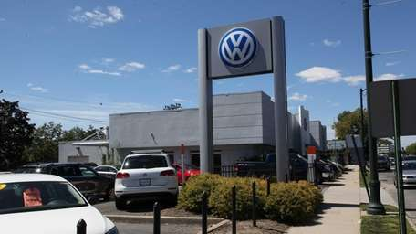Sunrise Volkswagen dealership on Sunrise Highway in Lynbrook