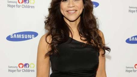 Rosie Perez attends the Samsung Hope For Children