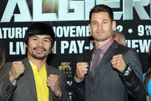 Manny Pacquiao and Long Island's Chris Algieri pose