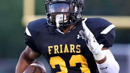 St Anthony's RB Jordan Gowins takes the ball