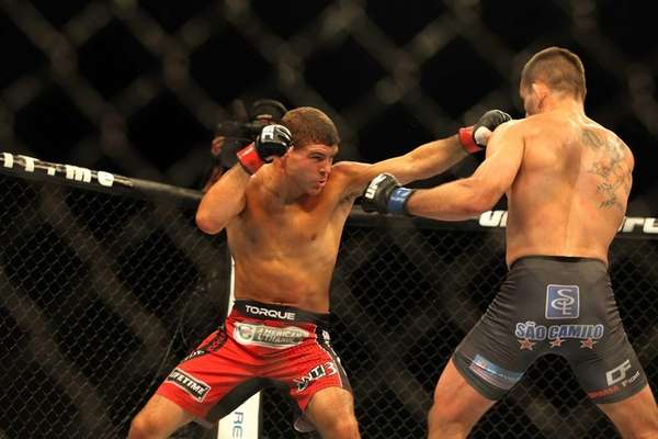 Wantagh's Al Iaquinta knocked out Rodrigo Damm in