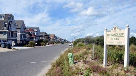 Homes along Dune Road in West Hampton Dunes