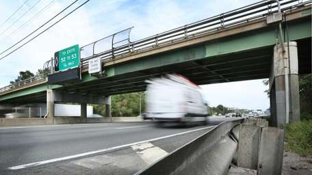 Eastbound Long Island Expressway traffic moves under the