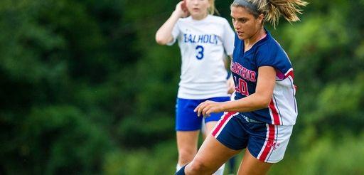 MacArthur's Arianna Montefusco (10) handles the ball on