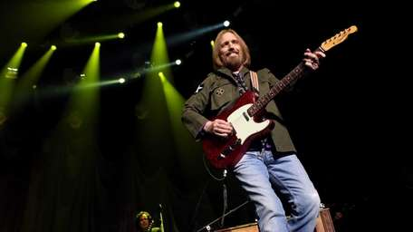 Tom Petty on stage at Madison Square Garden