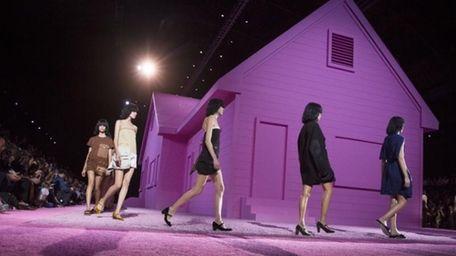 Marc Jacobs' Spring 2015 presentation at New York