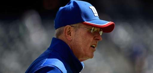 Head coach Tom Coughlin of the Giants looks