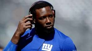 Defensive end Jason Pierre-Paul of the Giants warms