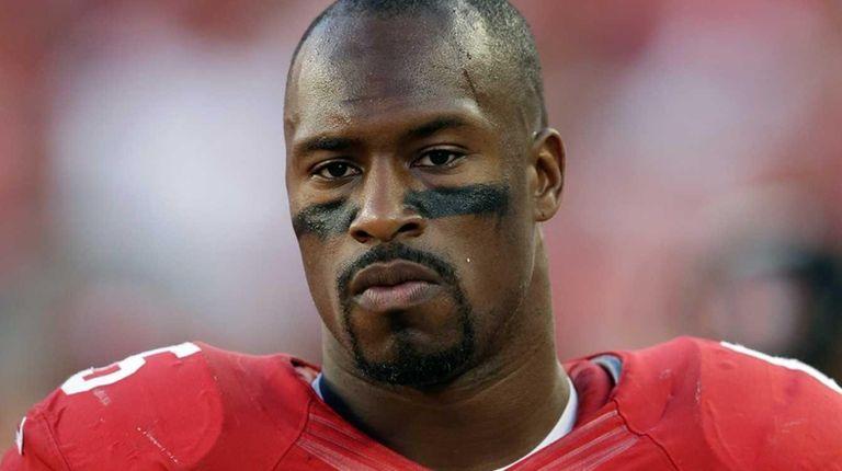 Vernon Davis of the San Francisco 49ers looks