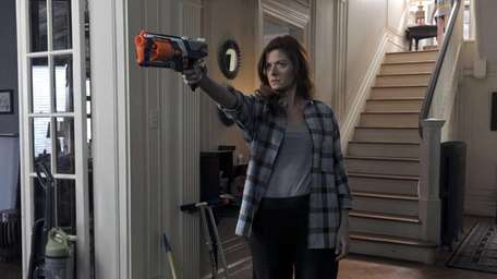 Debra Messing as Laura Diamond in the pilot