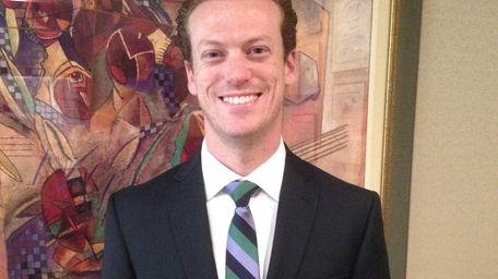 Dr. Ari S. Hoschander of Hewlett joins Greenberg