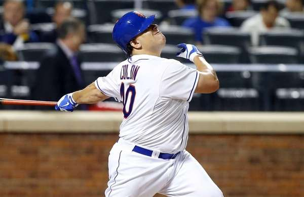 Bartolo Colon of the Mets pops out in