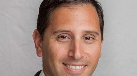 Anthony G. Giordano of Hewlett has joined HUB