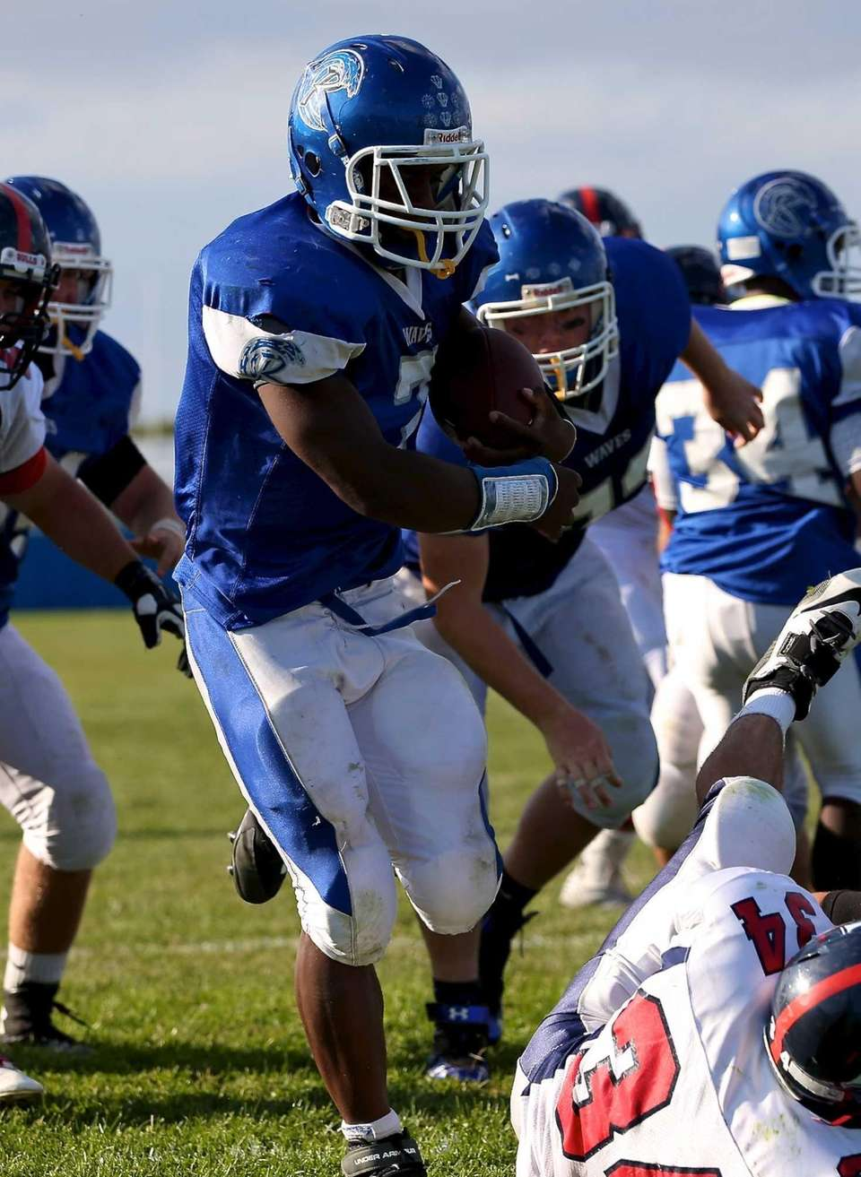 Riverhead RB Ryun Moore sneaks in for the