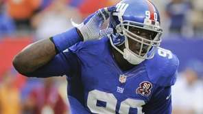 New York Giants defensive end Jason Pierre-Paul (90)