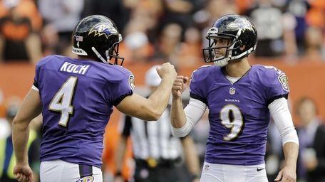 Baltimore Ravens kicker Justin Tucker (9) is congratulated