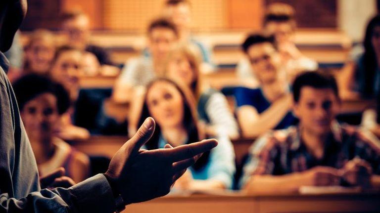 Seminar in lecture hall.