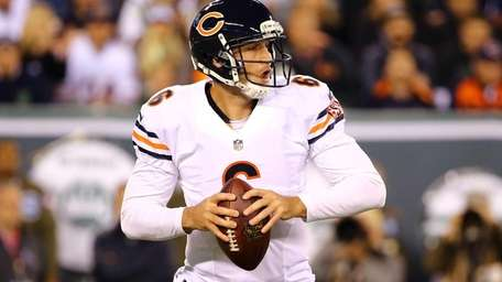 Chicago Bears quarterback Jay Cutler looks to pass