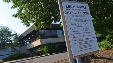 A change of zone, legal notice sign for