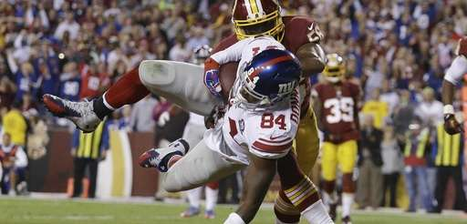 Giants tight end Larry Donnell (84) heads to