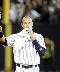New York Yankees shortstop Derek Jeter walks on
