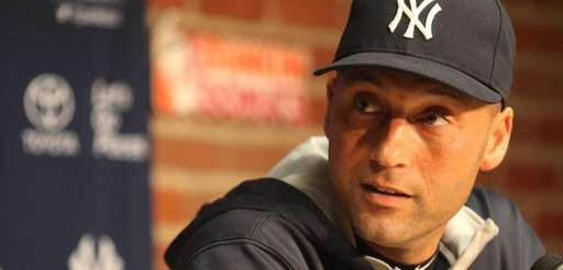 Yankees captain Derek Jeter meets the media at