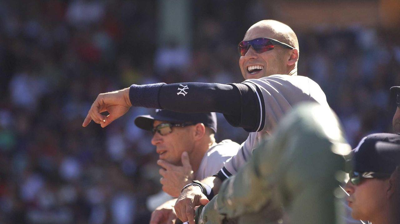 Yankees captain Derek Jeter has fun in the