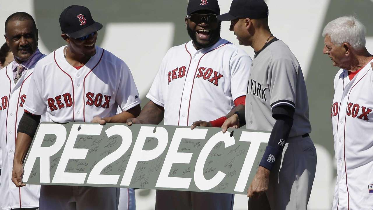 The Yankees' Derek Jeter, second from right, is