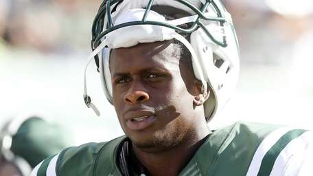 Geno Smith #7 of the Jets stands at