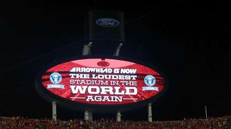 Fans at Arrowhead Stadium break the Guinness World
