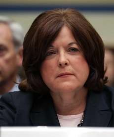 Secret Service Director Julia Pierson prepares to testify