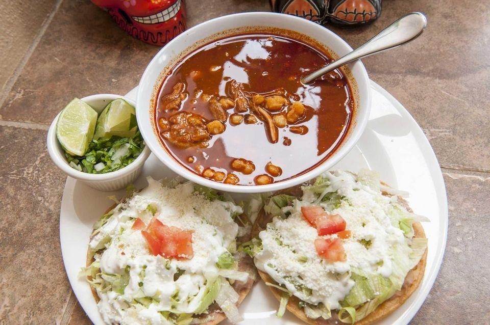 Taqueria Cielito Lindo, Riverhead: This friendly, authentically Mexican