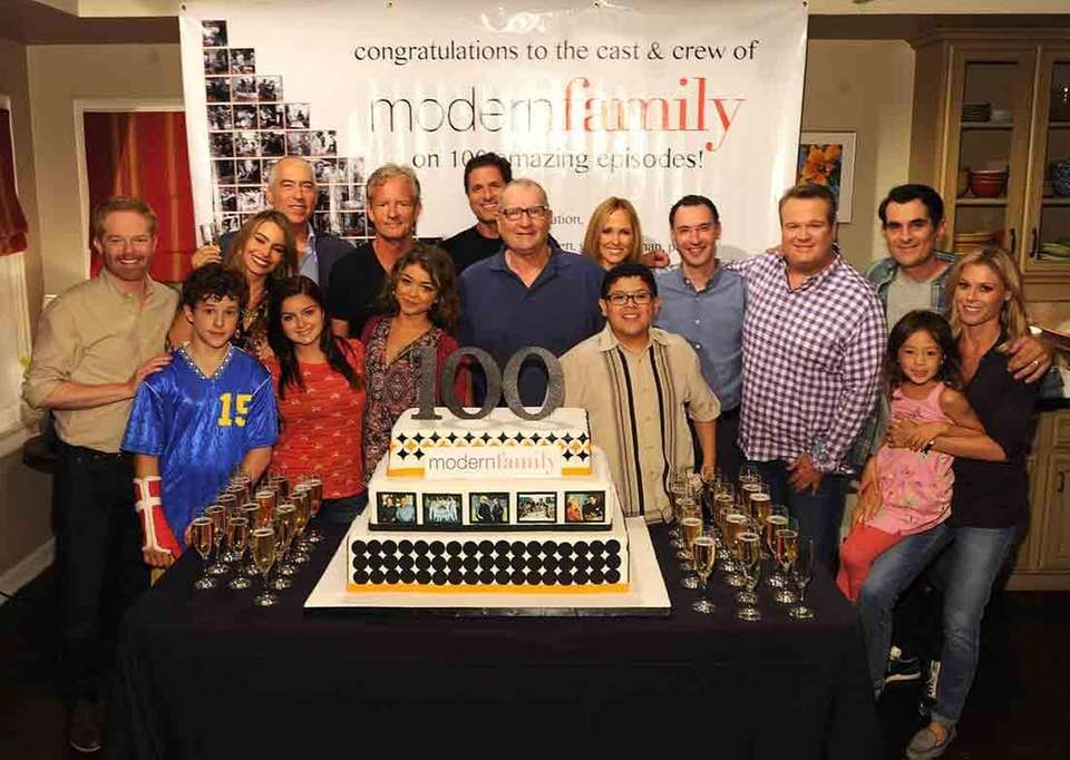 """""""Modern Family"""" cast, co-creators and producers celebrate production"""