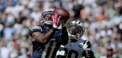 Eddie Royal of the San Diego Chargers hauls