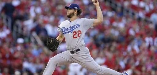 Los Angeles Dodgers starting pitcher Clayton Kershaw throws