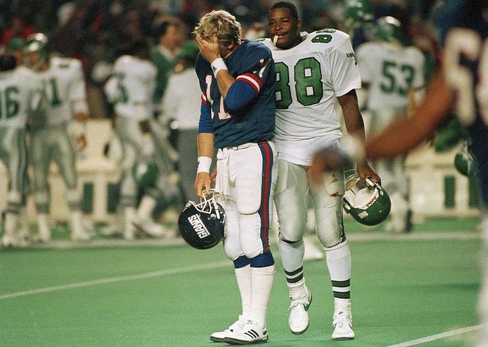 NOV. 20, 1988: HEAD-TO-HEAD Lineman Clyde Simmons returned