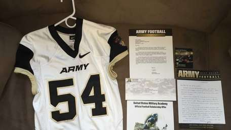 West Point presented the family of Tom Cutinella