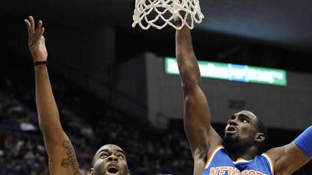 Boston Celtics guard Marcus Thornton shoots as Knicks