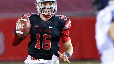 Stony Brook QB Conor Bednarski scrambles out of