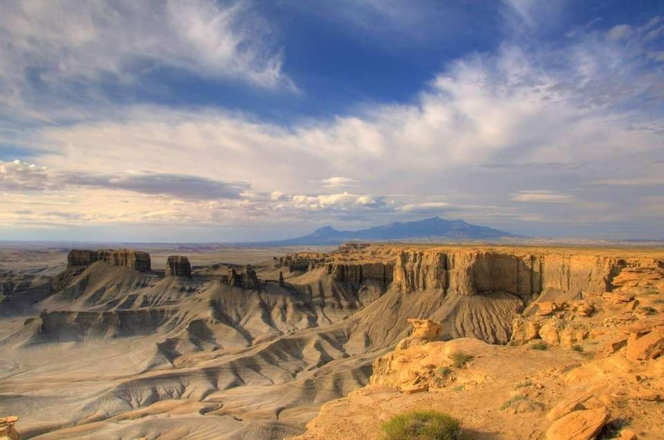 Skyline Rim near Factory Butte provides incredible, expansive