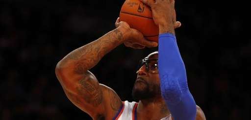Amar'e Stoudemire #1 of the Knicks takes a
