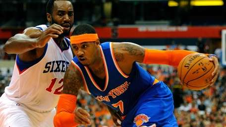 Carmelo Anthony of the Knicks drives to the