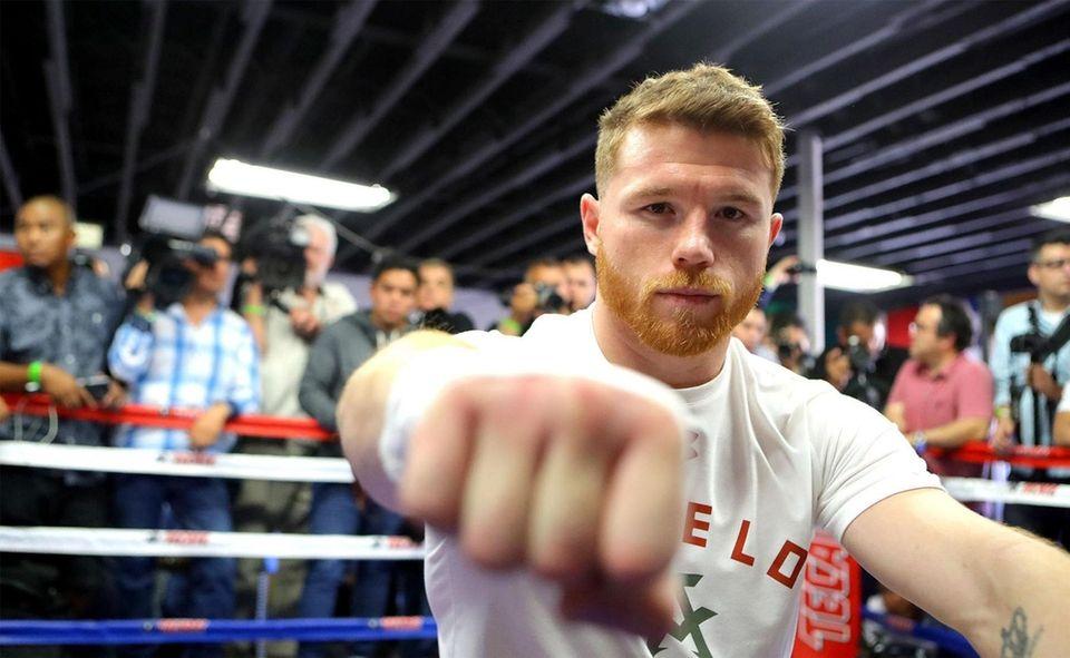 Canelo Alvarez (50-1-2, 34 KOs) was more aggressive